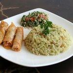 Restaurante árabe Barranquilla - Doña Linda - Arroz de almendras, tabbule y repollitos rellenos