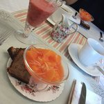 Breakfast...smoothie, fresh fruit & banana bread