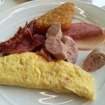 Breakfast (Very nice omelette)