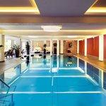 NEU seit Mai 2013: Hallenbad mit Wintergarten zum Öffnen auf die Liegewiese