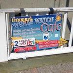 Grumpy's Whale Watch Cafe