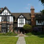 Tudor Grange Hotel