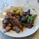 Table d'hotes, coq au vin