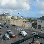 vue sur la plage et parking facile