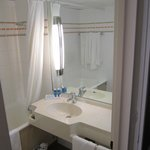 Klein aber gut gestaltetes Bad (WC liegt separat!)