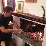 Andrea con la preparazione delle castagne