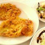 Tortillitas de camarones y crujientes de atún con Pedro Ximénez