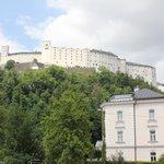 Blick von der Vinothek auf die Festung Hohensalzburg