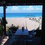 Açık restorandan  kum deniz güneş...