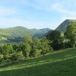 Vue sur Peyre Arse et les crêtes depuis terrasse d'Alta Terra