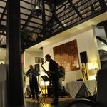 soirée jazz au bar de l'hotel