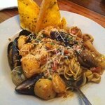 seafood medley pasta