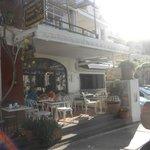Love breakfast on the terrace !