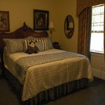 Lovely bedroom with queen bed