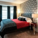 Second-floor Fremont room is stylish and comfortable