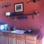 Kitchenette in the Low Tide room