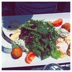 salade et beignets de brocciu (specialité corse)