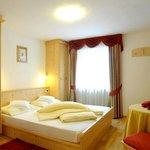 Example of a standard room/Esempio camera standard/Beispiel für ein Standard-Zimmer