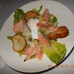 ceasar salad wz salmon