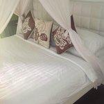 Manky main bed