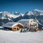 Winteransicht Berghotel Tgantieni***,  perfektes Ski in and out
