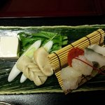 Sashimi & abalone for room guests from 红云客室 (luxurious ryokan)