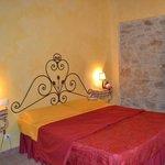 La Maestà Villa Umbra, the Pomarancio apartment bedroom