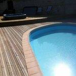 piscine chauffée + jacuzzi
