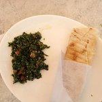 petit taboulé libanais plus un chawarma à goûté absolument..