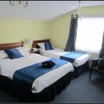 Double and a single - double aspect room