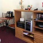 Keurig coffee maker, wine cooler, microwave, movies, everything for an enjoyable stay.