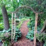 Garten - Weg zum Pavillon