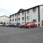 parcheggio e facciata
