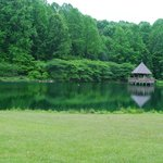 The lake and pavilion area at Meadowlark Botanical Gardens offers a serene setting.