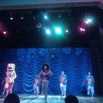 show de circo en el teatro de tulum, excelente