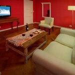 Senior Suite - Living