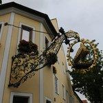 Adler vor dem Hotel-Gasthof