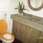 Damfela bathroom