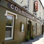 THE DOCK BAR @ THE COURTHOUSE INN