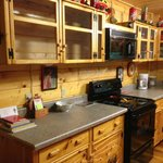Cosby Coca Cola Cabin - Kitchen