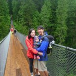 Family pix @ Capilano Suspension Bridge