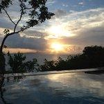vue de la piscine de la villa