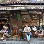 Red river pub onderdeel van Ilkay Hotel