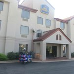 Front entrance to Best Western