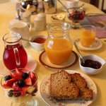 Wonderful breakfasts every day with fresh fruit and juice
