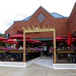 il Porto now offers outdoor dining!