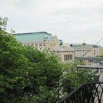вид с балкона на Оперу