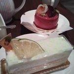 ココナッツミルクとライムのチーズケーキが超お気に入り。ラズベリーのケーキも〇