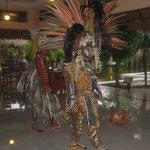 Dans le hall de l'hôtel avec les Mayas.