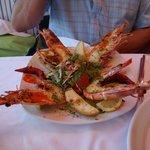 manger des fruits de mer....sur le port de rethymnon